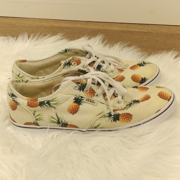 46fa1a5b31 Vans Atwood Low Pineapple lace up shoes. M 5a503fd68290afc1ba01fd5f